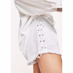 NWOT Zara | White Lace Up Boyfriend Shorts